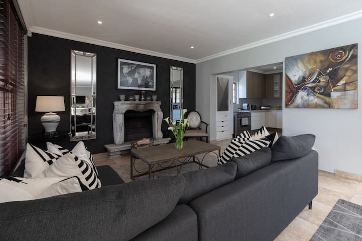 Winelands Getaway | Executive Two-bedroom Villa 4