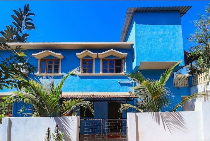 Gayatri kunj home stay 3bhk near Baga beach.