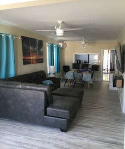 Recently updated Family Home Amazing back porch