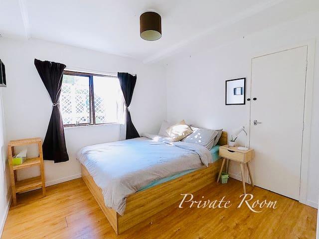 Private room, Queen bed, Lovely, Quiet, Comfort