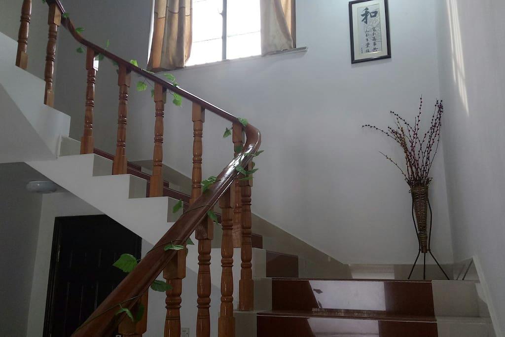 上二楼的楼梯