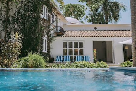 Villa las Parotas, Ixtapa Guerrero