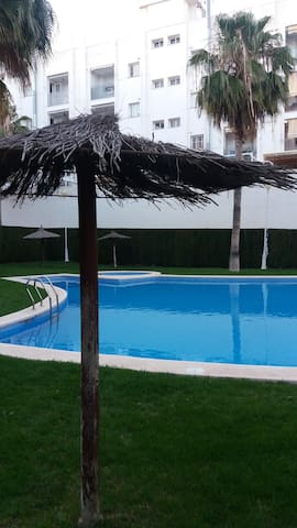 Room in Valencia -Near beach and downtown. (Pool)