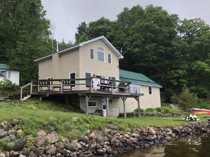 Cottages at Bon Echo's Edge: Main Cottage