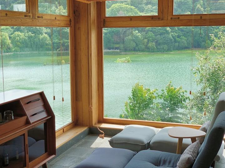 【和慕茶宿】慕空湖景星空套房/面对湖水泡澡的舒适套房/提供早餐、私房茶品