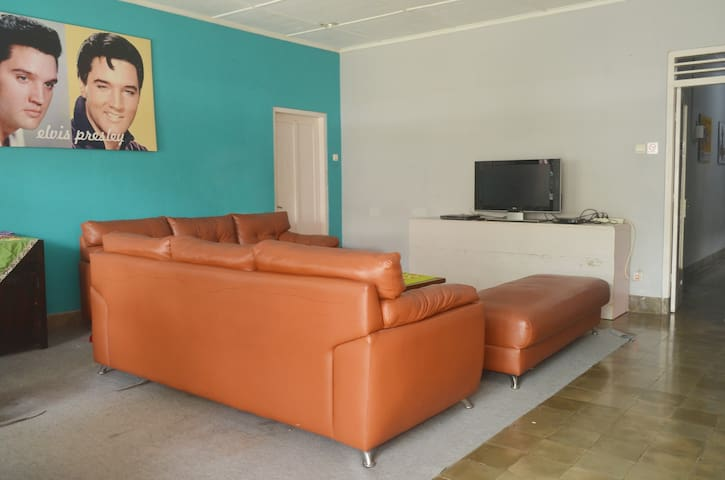 Sadewa House 5 BR for family and Group