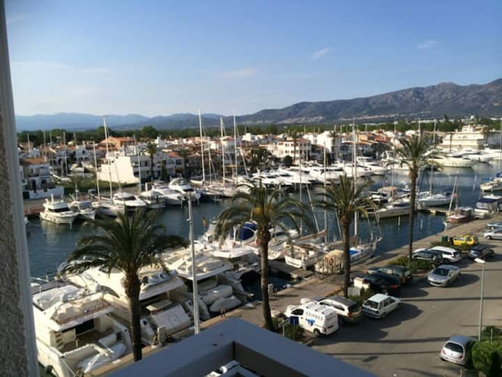 Charming studio with view on the nautic Harbour, marina and sea-295
