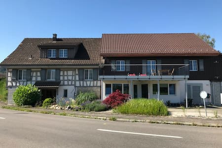 Charmante ländliche Wohnung Grossraum Frauenfeld