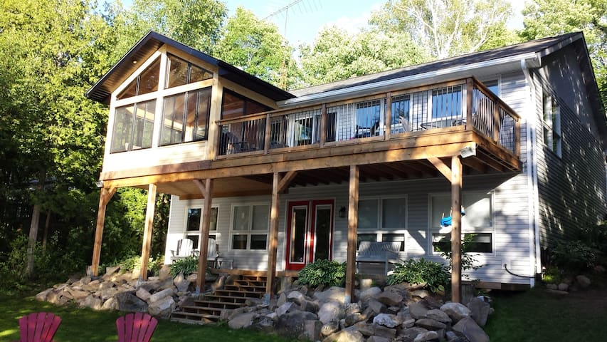 Great family getaway on Salerno Lake!!