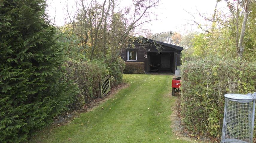 Sommerhus ved Hasmark - Enebærodde - Otterup - Kabin