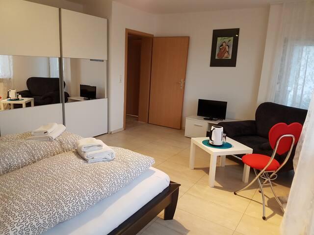 Apartment für Familien oder Geschäftsreisende - Kieselbronn