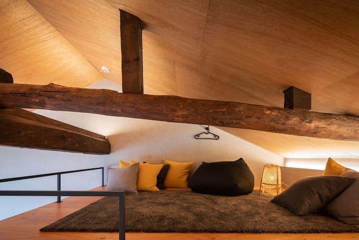 Loft with beads cushion.