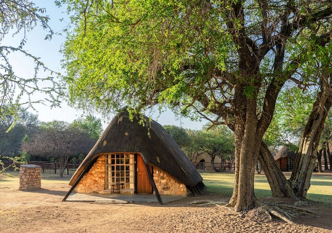 Bonwa Phala Adventure Chalets - 3 Sleeper