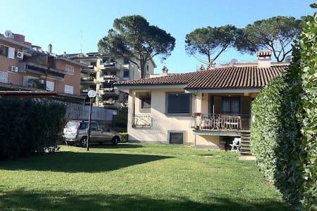 Camera in villa - Rome