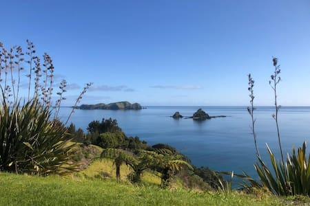 Orua Bay Bach - Coastal Dream