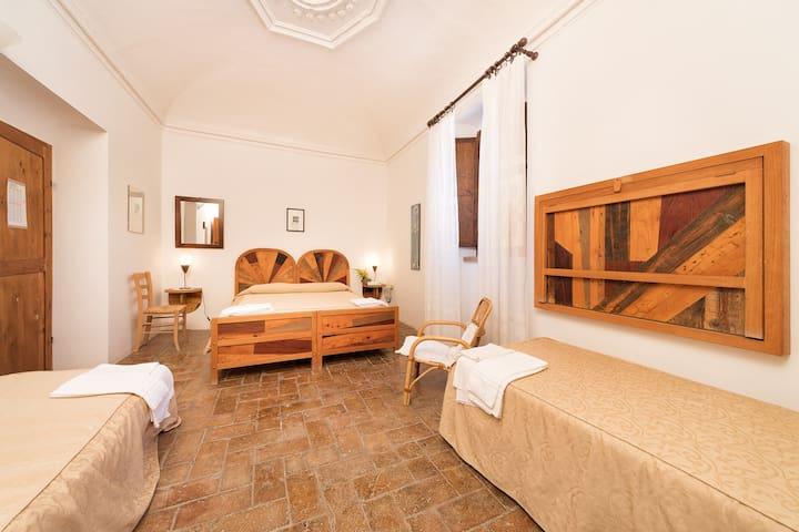 Camera di 22 mq²  presso Agriturismo Girolomoni