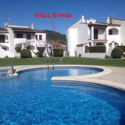 Sunny house with direct access to swimming pool - Torroella de Montgrí - Hus