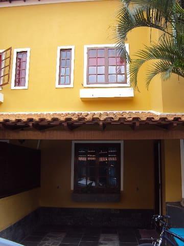 Casa em Condomínio na Praia dos Anjos - Arraial do Cabo
