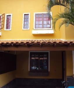 Casa em Condomínio na Praia dos Anjos - Arraial do Cabo - Rumah
