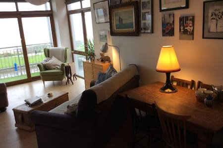 Island view 2 bed 1st floor Apt. - Skerries