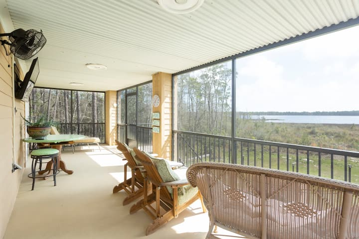Our Florida Paradise/ARK waterfront vacation villa