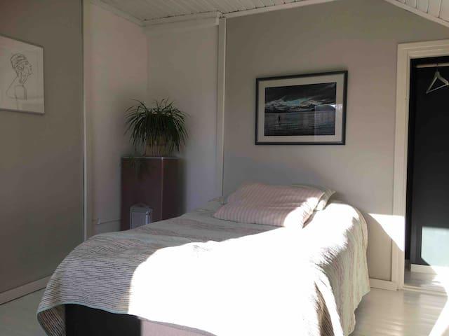 Tyylikäs Vierashuone + Cozy Bedroom