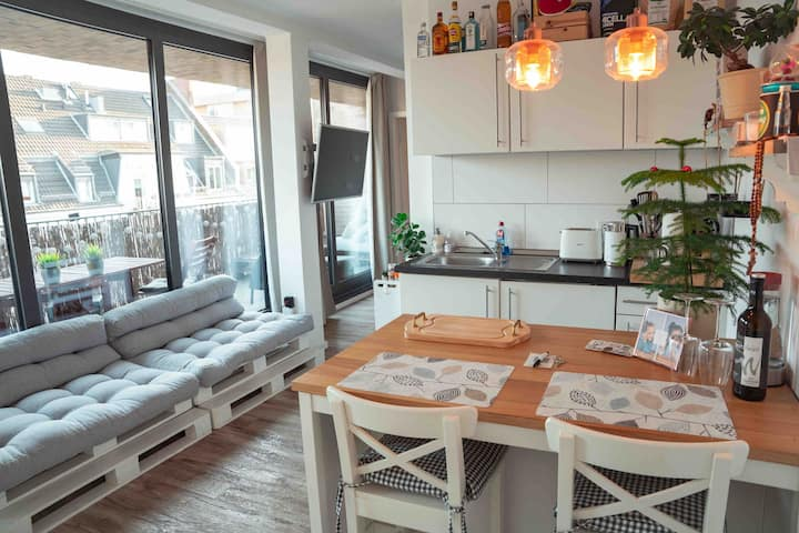 Luxury Sunnyside Apartment