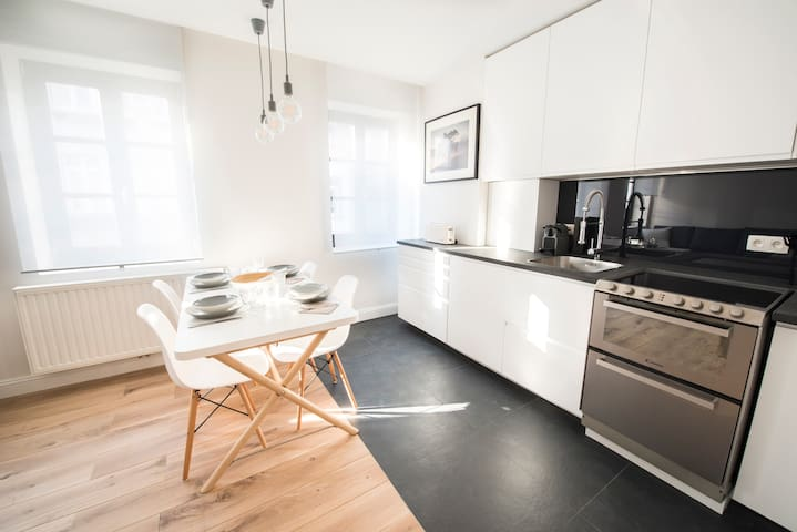 Renovated classy aparts at superbe location! - Ixelles - Leilighet