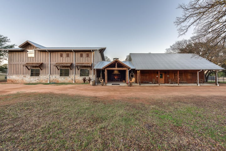 Hill Country Luxury Lodging