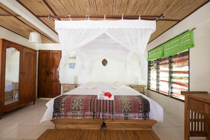 Malole Surf House Single Room