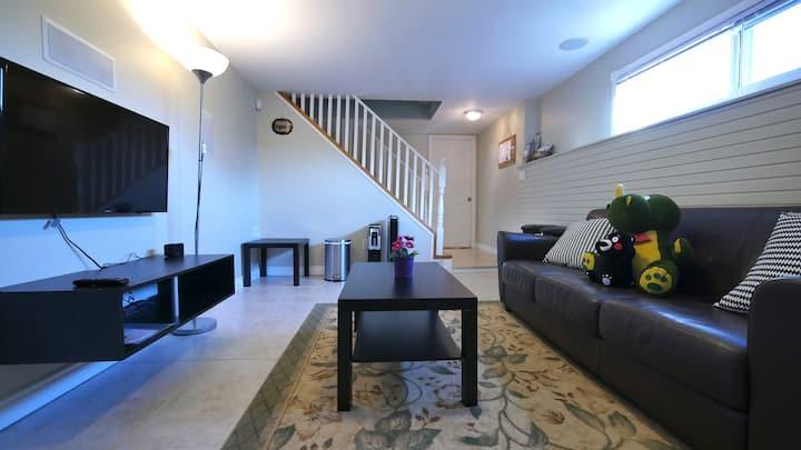 Lovely 1 Bedroom(+Den) & No Kitchen Basement Suite