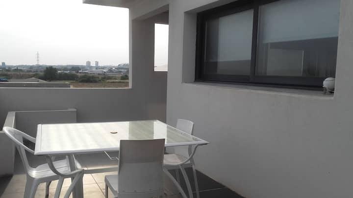 Bel appartement moderne avec terrasse