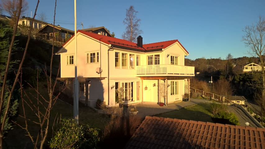 Nice apartment just 20 minutes by bus from Bergen - Askøy - Byt