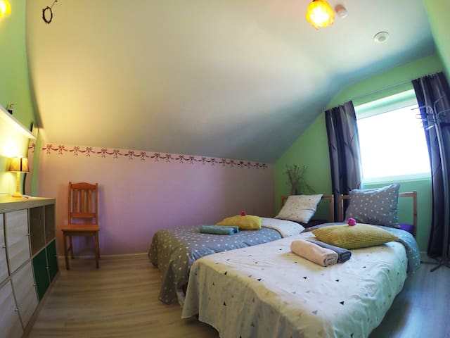 Room for 2 near the beach and 15  km from Brugge
