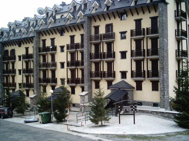 Apartamento Edificio Los Iglos - Candanchú - Huoneisto