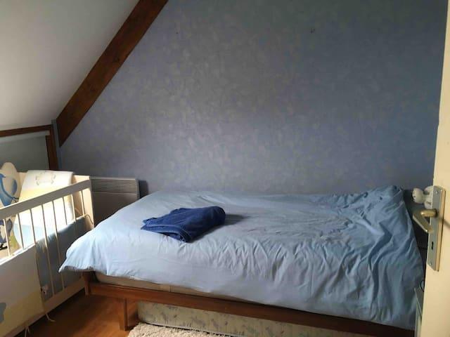 Chambre lit une personne