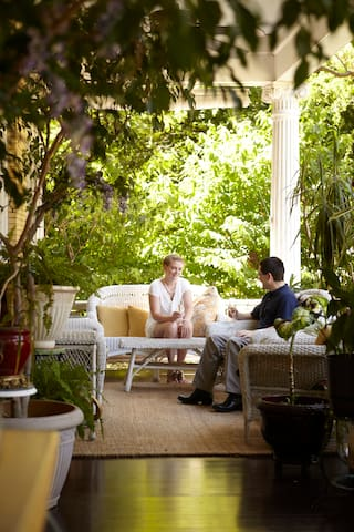 Ahhh! Relax on the Front Verandah while sipping champagne.