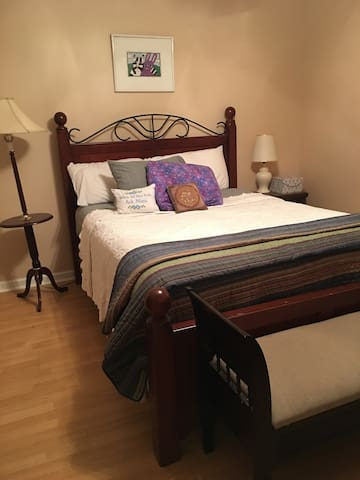 Senoia, GA; Private room - Senoia - Huis