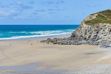 Beach annex, level short walk to superb beach - Porthtowan - Apartment - 0