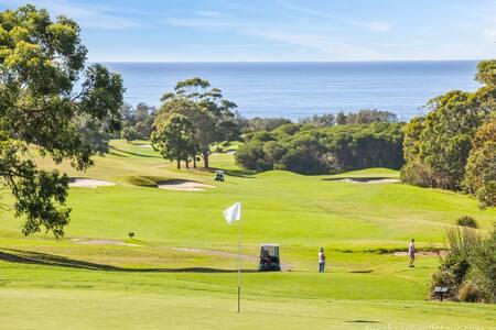 Tura Beach Golf Stays