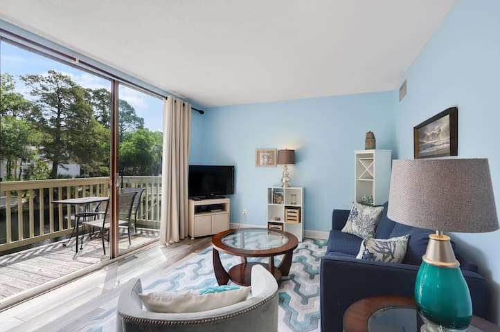 Best Beaches on HHI & Lagoon views from this 1BR villa on South Forest Beach!