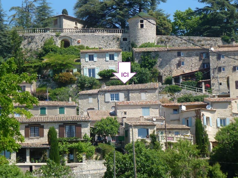 hameau de Lincel (maison L'Abri au centre)
