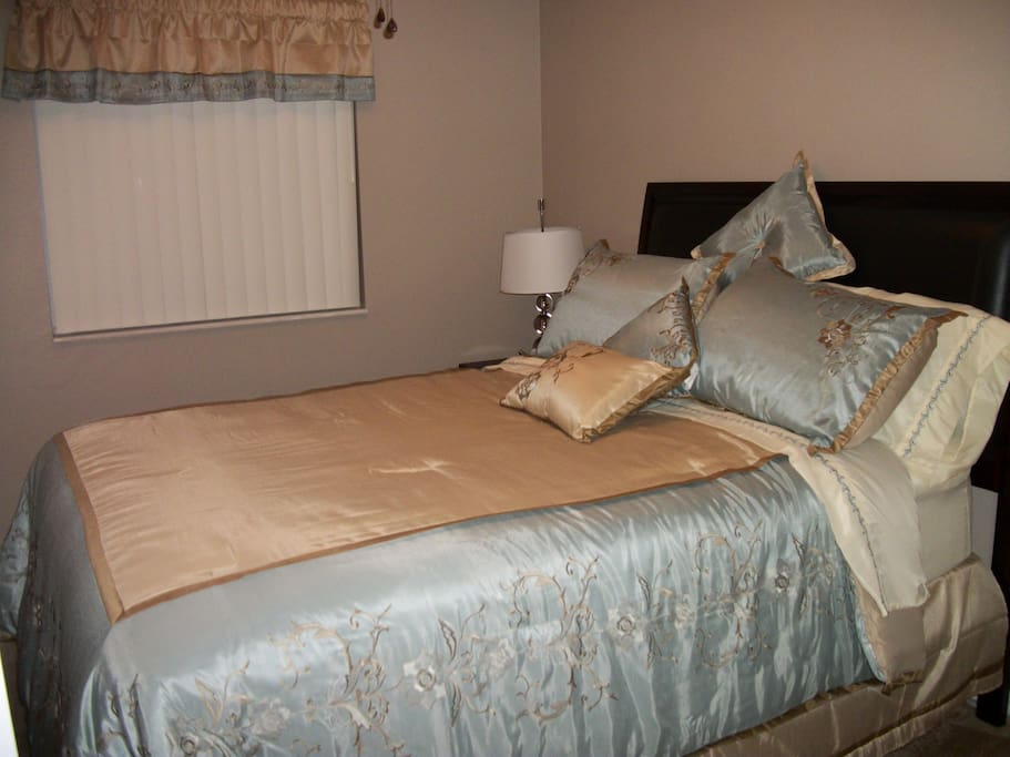2nd Queen Bedroom with PLUSH mattress and yet another wall mounted TV