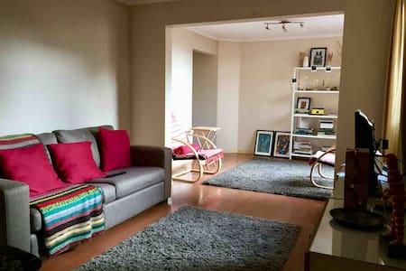 Pieza en Barrio Cívico (cama individual+sofá cama)