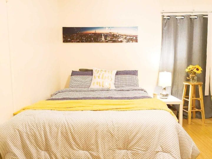 **Private Bedroom w/Bathroom @WestLA near UCLA/SMC