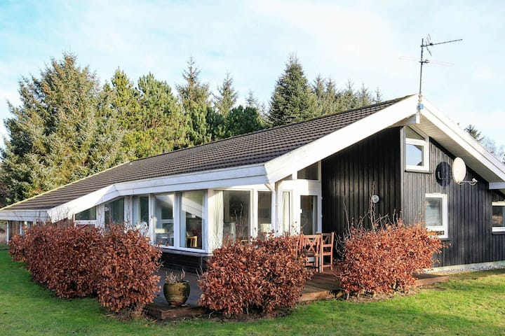 Cozy Holiday Home in Bindslev with Swimming Pool