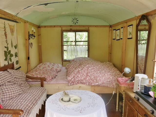 Romantischer Wohnwagen zum Wohlfühlen - Endschütz - Autocaravana