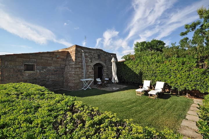 TRULLO FOR 4 PEOPLE WITH SEA VIEW
