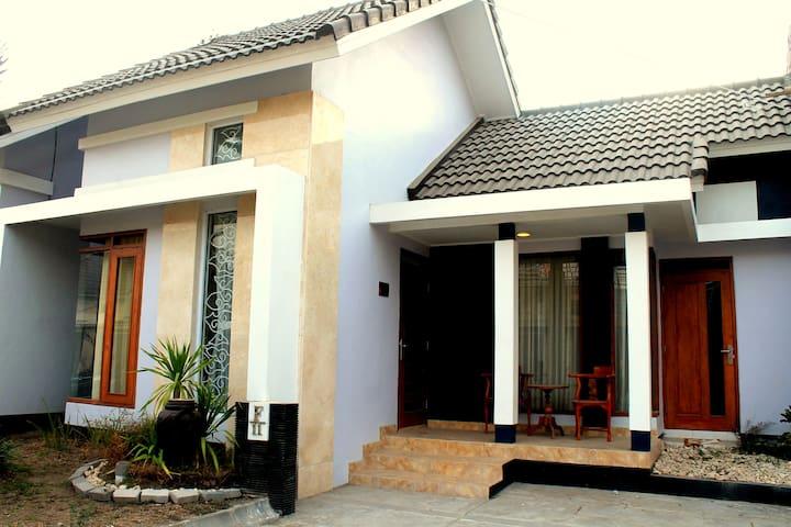 Omahan Guest House Yogyakarta - Mlati