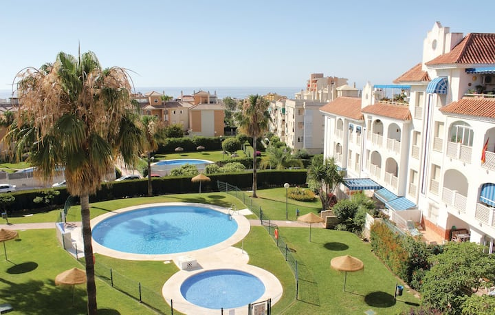 Beautiful home in Torremolinos with WiFi, Outdoor swimming pool and 3 Bedrooms